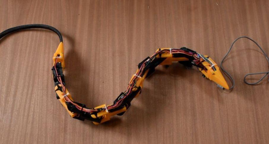 基于Arduino的仿生蛇形机器人